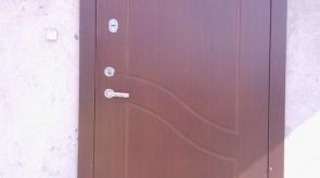 Loranta Naujos durys