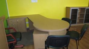 Rašomasis stalas kabinete.1